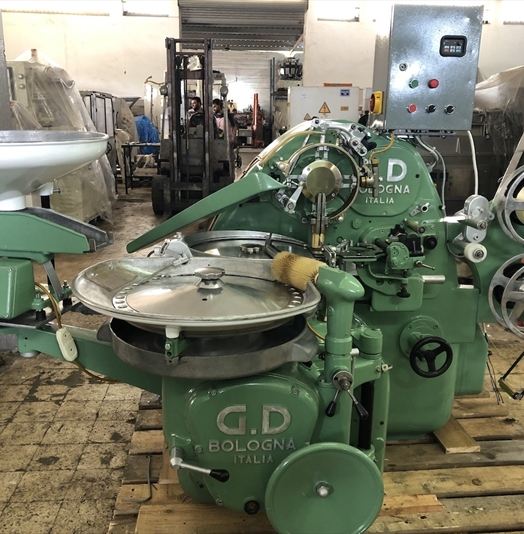 GD 2500 Candy Fold Wrapping Machine